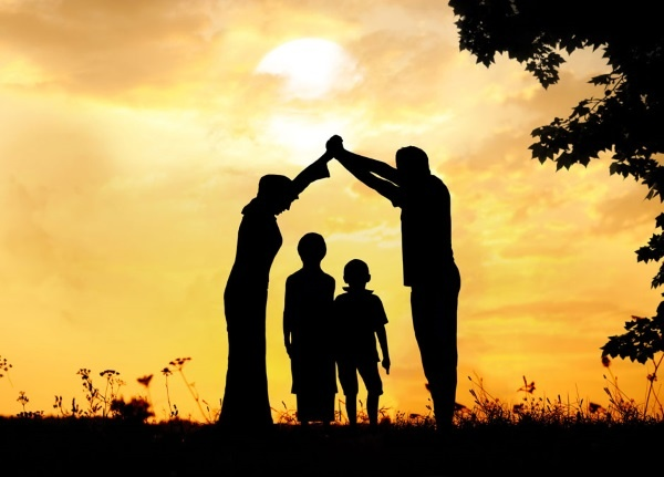 FAMILLE ET PROTECTION AVEC LE MAITRE DOBOU